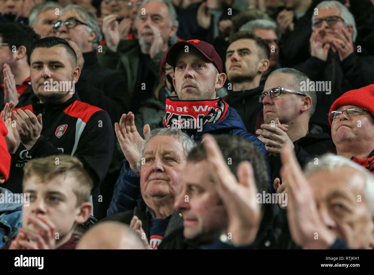 12th January 2019, KCOM Stadium, Hull , England; Sky Bet Championship, Hull City vs Rotherham United ;  fans join in a minutes applauds as a mark of respect for Gordon Banks    Credit:   Mark Cosgrove/News Images  English Football League images are subject to DataCo Licence - Stock Image