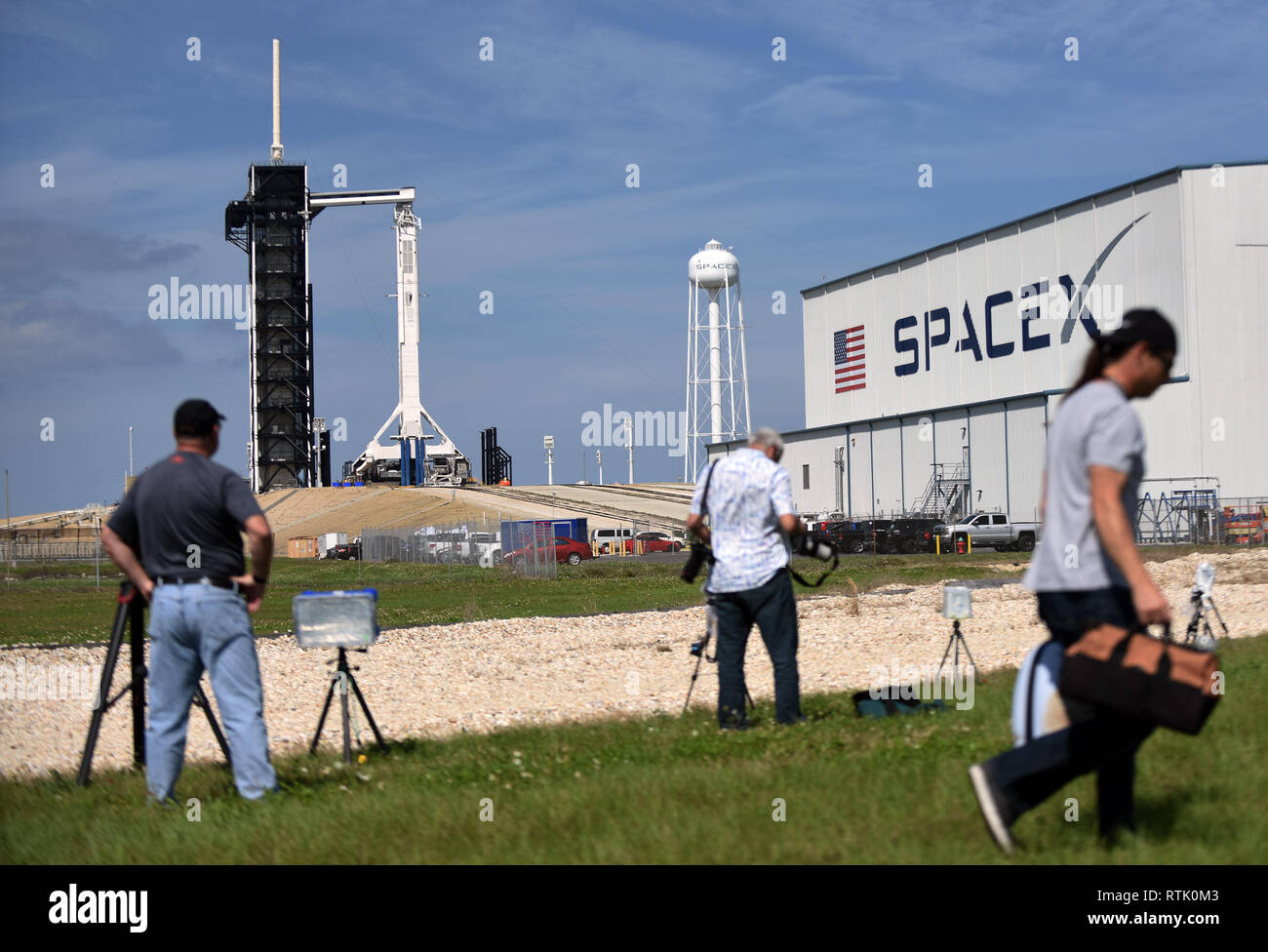 Kennedy Space Center, Florida, USA. 01st Mar, 2019. A SpaceX Falcon 9 rocket carrying the unmanned Crew Dragon capsule sits ready for launch on March 1, 2019 at Pad 39A at the Kennedy Space Center in Florida. The rocket is set to lift off on its first flight, Demo-1, on March 2 at 2:49 a.m.EST. Credit: Paul Hennessy/Alamy Live News - Stock Image