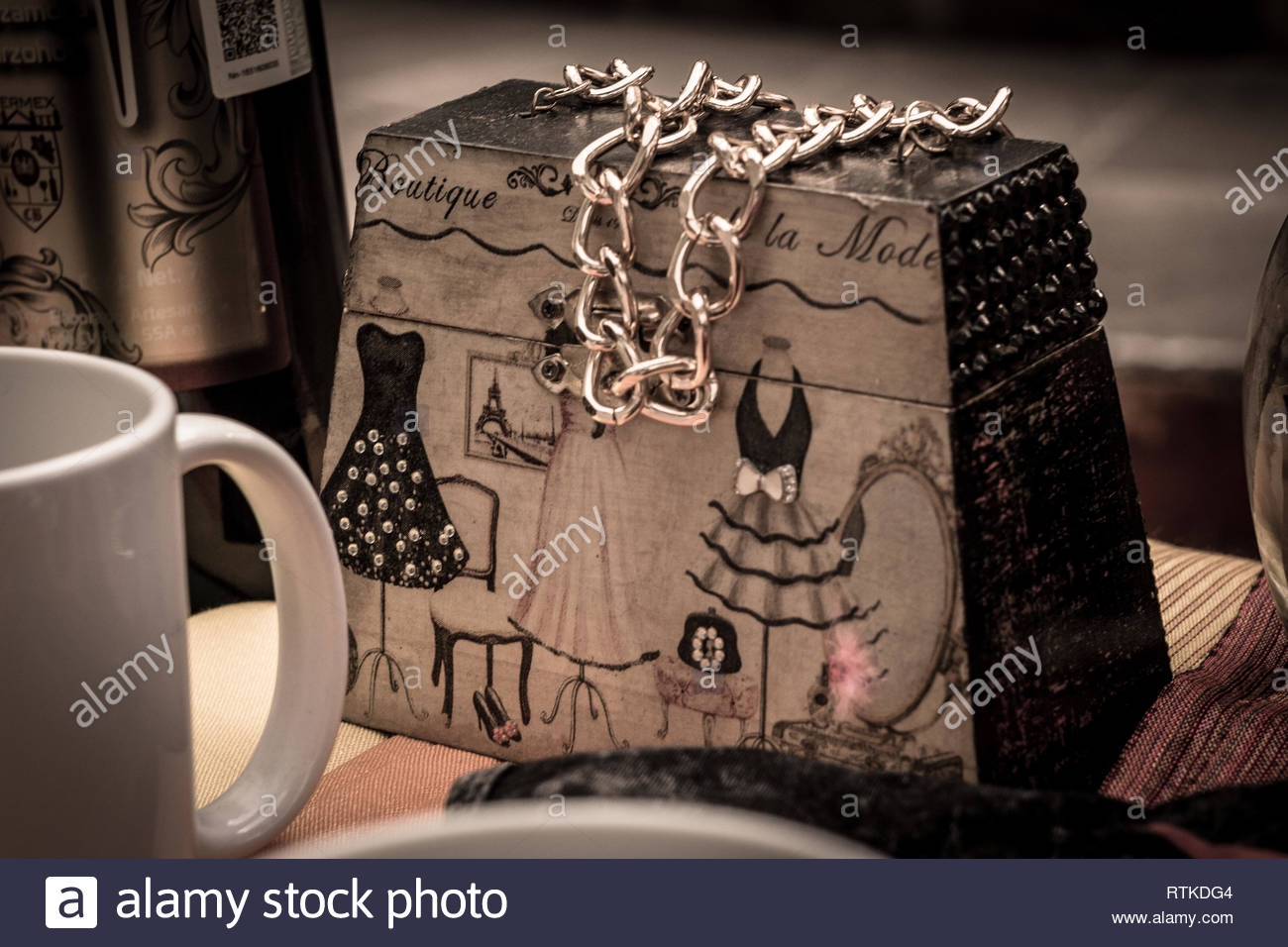Handcrafted purse made with wood by an artisan - Stock Image
