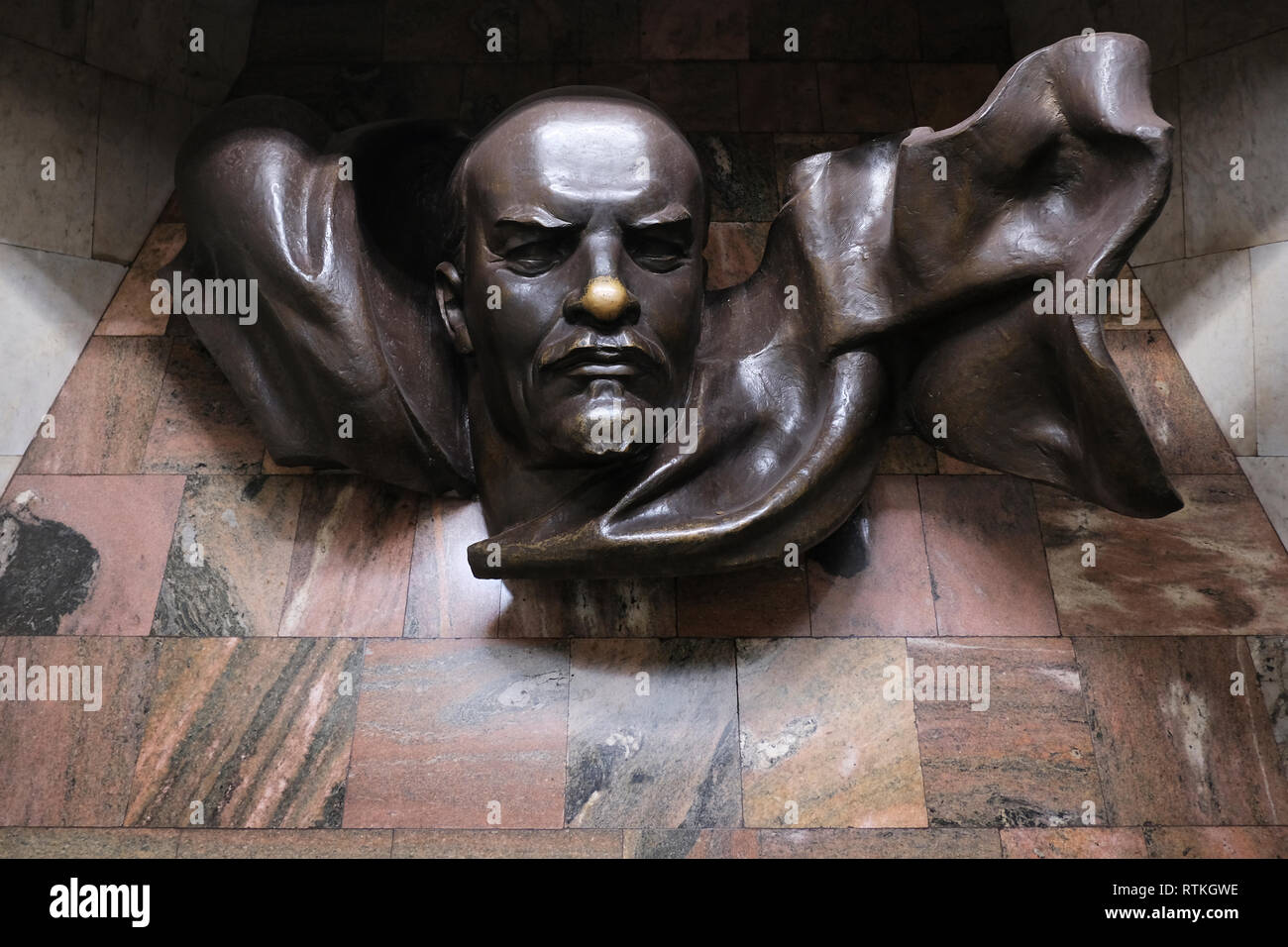 The statue of Vladimir Lenin placed inside  Plosca Lienina (Lenin Square) Metro station in Independence Square in the city of Minsk, capital of Belarus Stock Photo