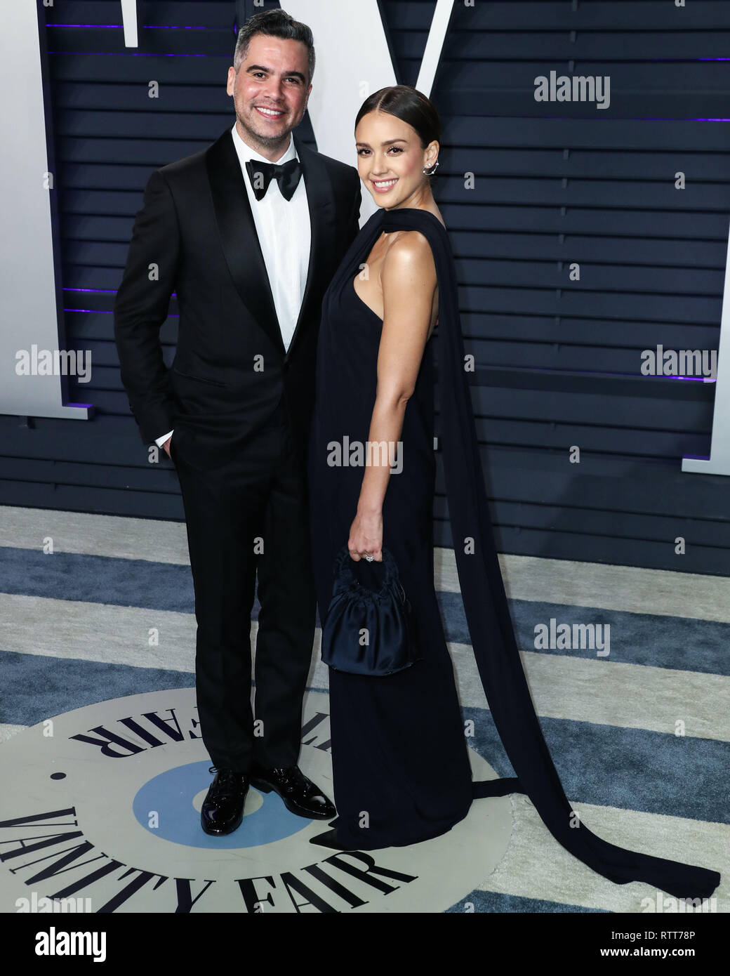 27e1cbf0adf ... FEBRUARY 24  Cash Warren and wife actress Jessica Alba arrive at the  2019 Vanity Fair Oscar Party held at the Wallis Annenberg Center for the  Performing ...