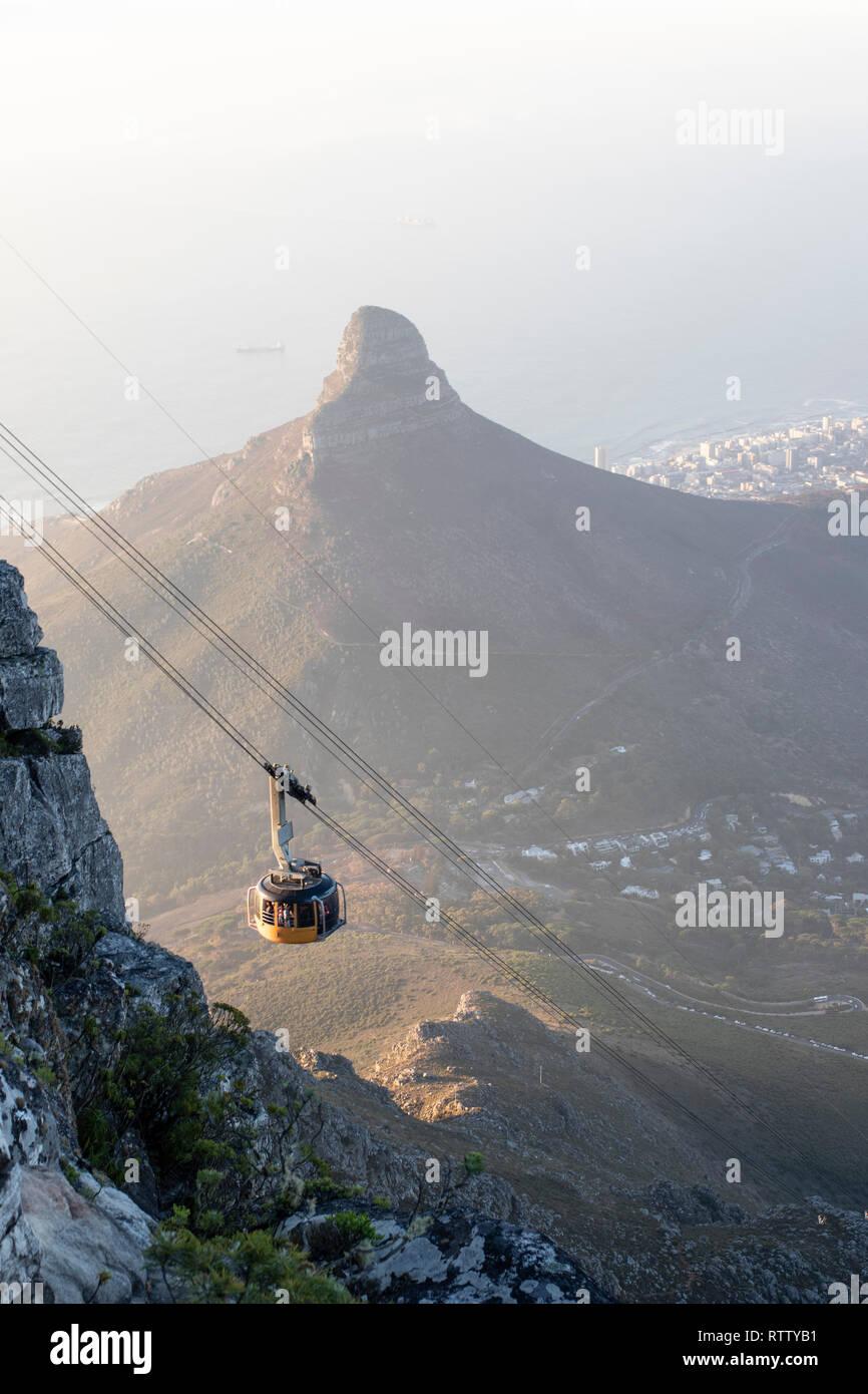 Cape Town South Africa Table Mountain Cable car - Lions Head view - Kapstadt Südafrika Seilbahn zum Tafelberg, Kapstadt von oben Blick auf den Lions H - Stock Image