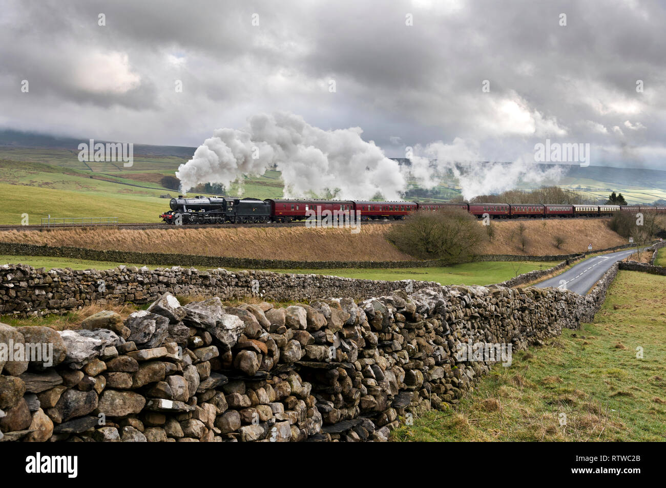 Steam Train In Countryside Stock Photos & Steam Train In Countryside