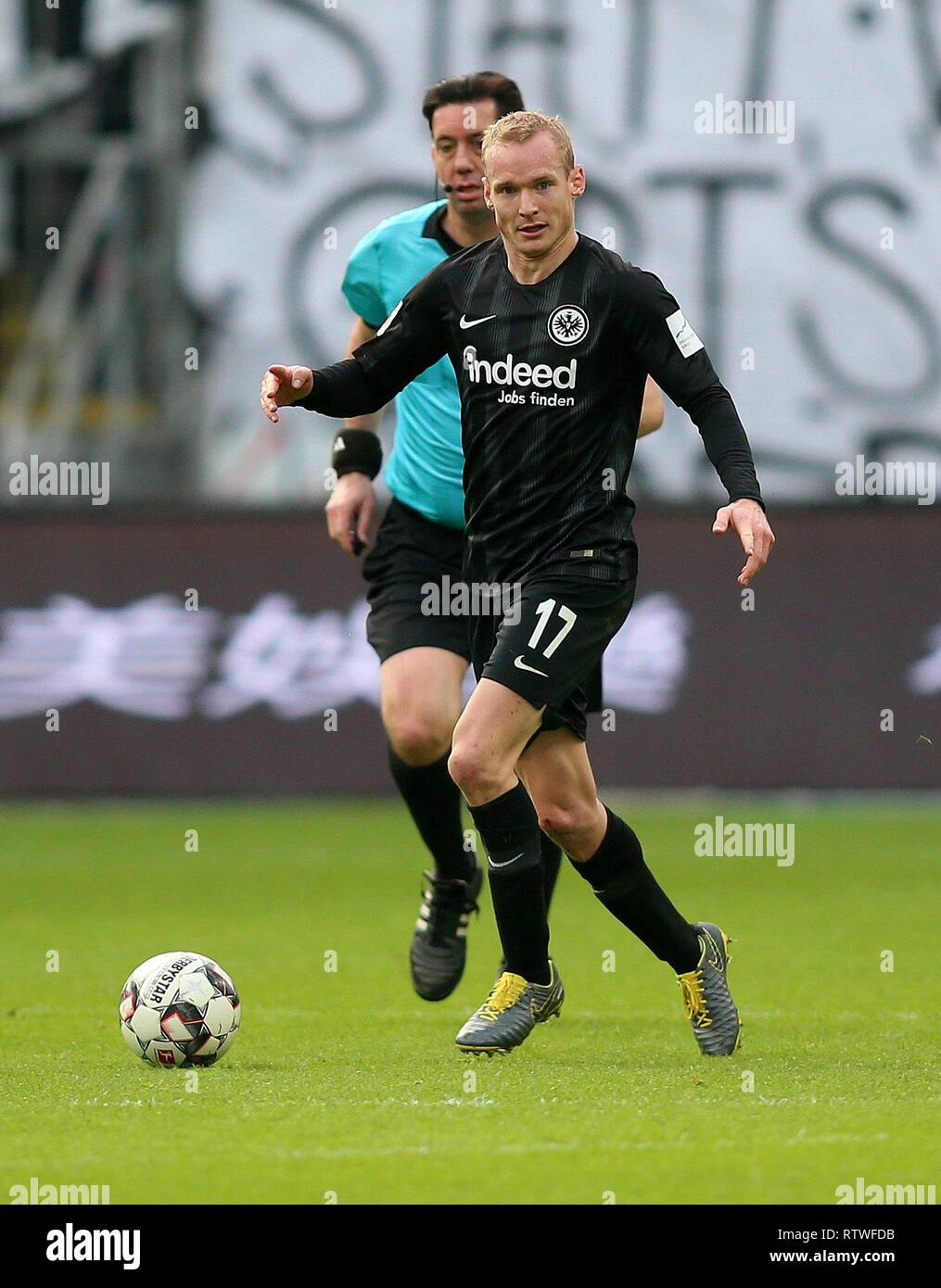 Frankfurt, Deutschland. 02nd Mar, 2019. firo: 02.03.2019, football, 1.Bundesliga, season 2018/2019, Eintracht Frankfurt - TSG 1899 Hoffenheim, single action, Sebastian RODE, whole figure, | usage worldwide Credit: dpa/Alamy Live News Stock Photo