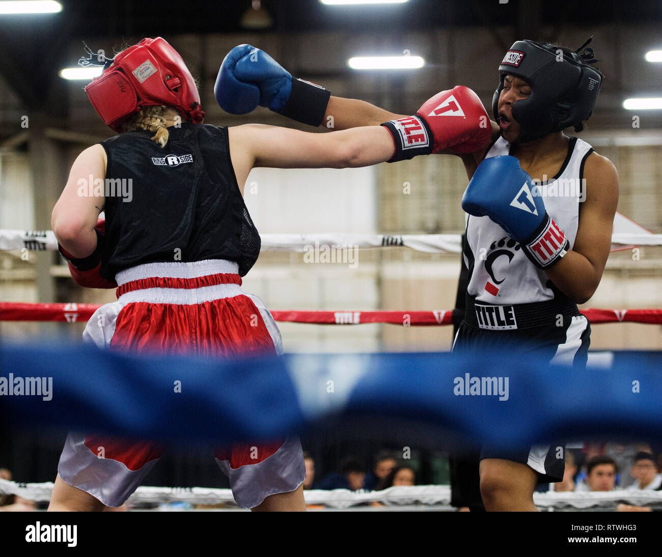 March 2, 2019: Cleopatria Steward of Cincinnati (right) and Kensley Dunagan of Ohio State (left) fight in the Amateur Boxing competition at the Arnold Sports Festival in Columbus, Ohio, USA. Brent Clark/Alamy Live News Stock Photo