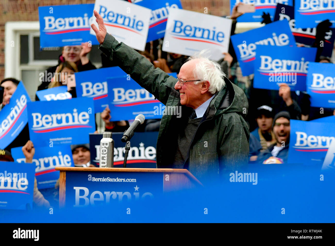 New York, NY, USA. 2nd March, 2019. Bernie Sanders, Independent US Senator from Vermont is greeted by supporters as he arrives to kicks-off his campaign for the 2020 U.S. Presidential Elections on a Democratic ticket at a rally at Brooklyn College, in Brooklyn, NY on March 2, 2019. Credit: OOgImages/Alamy Live News - Stock Image