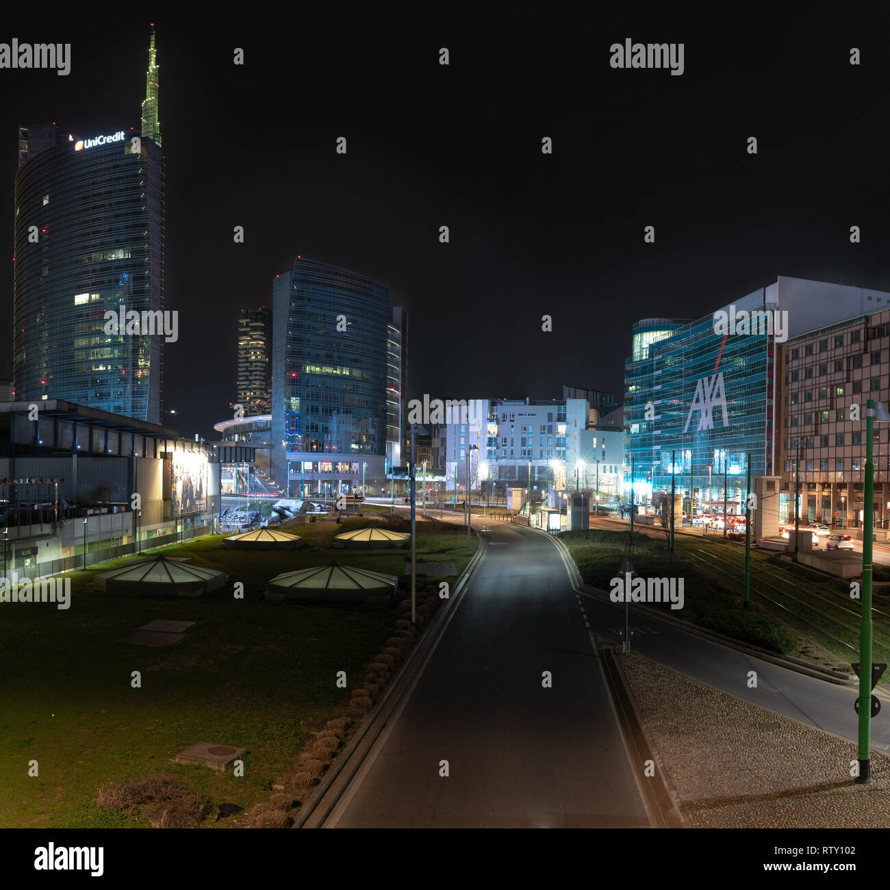 03/02/2019 Mialn, Italy: Unicredit tower, Gae Aulenti square, financial district of milan seen from the overpass Bussa.  nocturnal scene Stock Photo