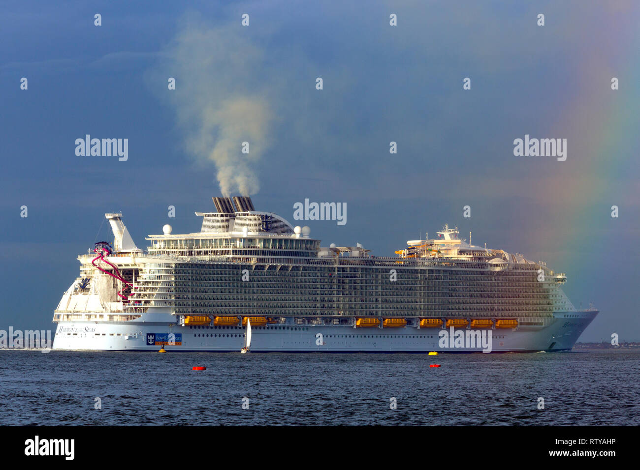 Luxury,travel, luxurious, wedding, honeymoon, suite, cabin, Harmony of the Sea,cruise,liner,leaving,Southampton,Pollution,Cowes,Isle of Wight England - Stock Image