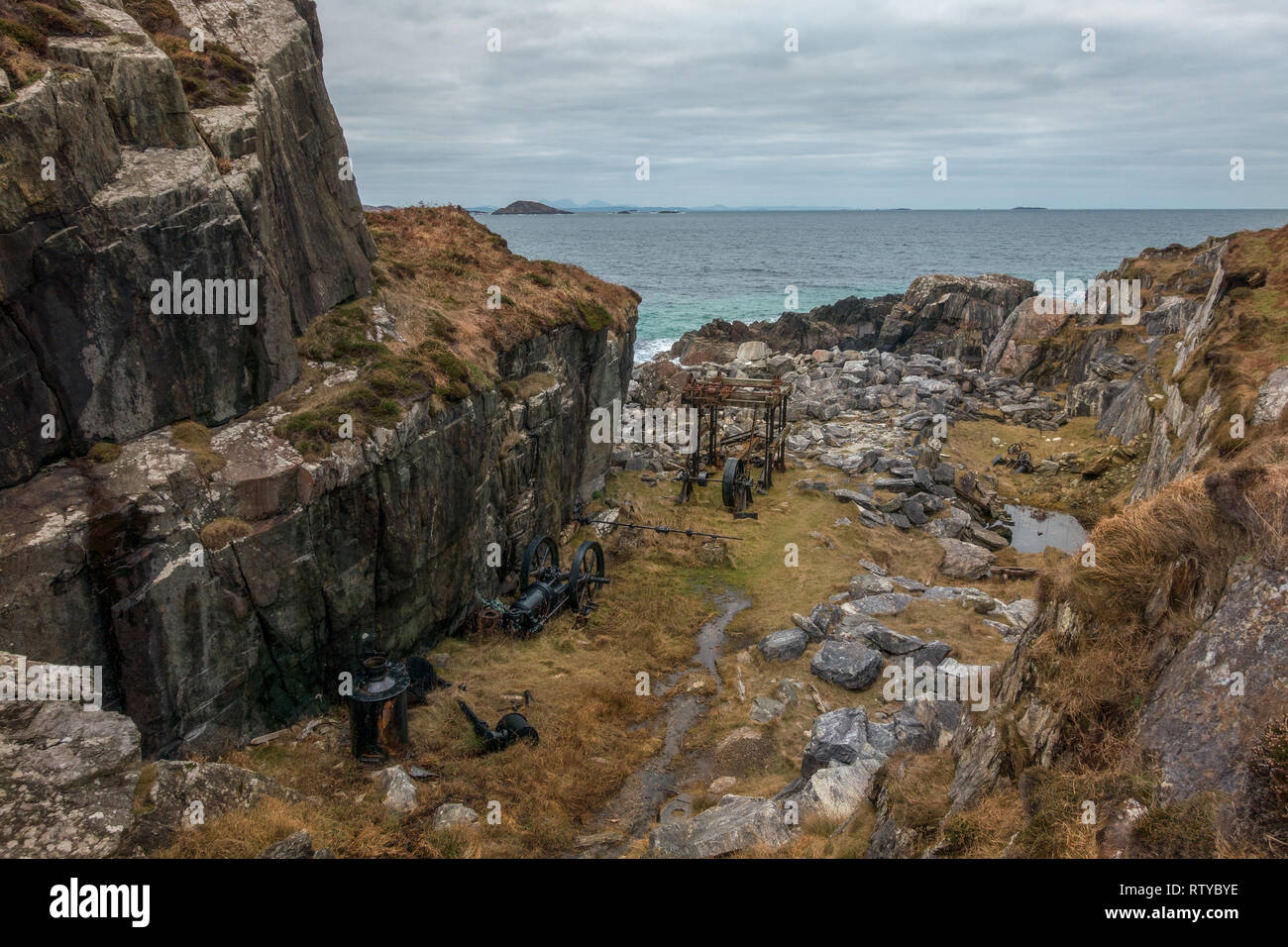 Derelict Marble Quarry on the Isle of Iona, Scotland More info here http://www.welcometoiona.com/places-of-interest/marble-quarry/ - Stock Image