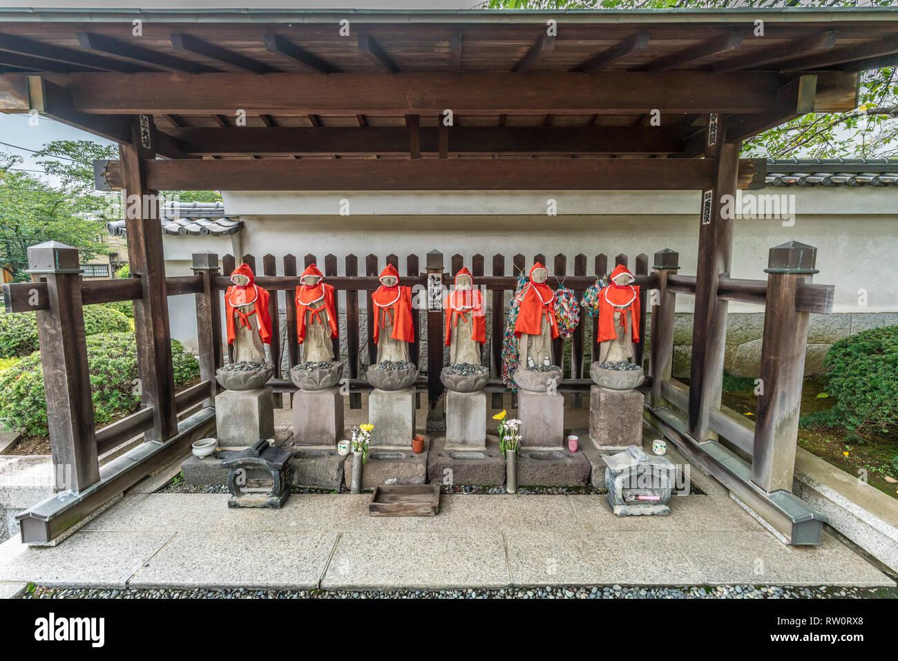 Setagaya, Tokyo, Japan - August 19, 2017: Rokujizo statues at Enjo-in or Enjou-in. Shingon sect, Toyoyama school of Buddhism temple. One of Tamagawa 8 Stock Photo