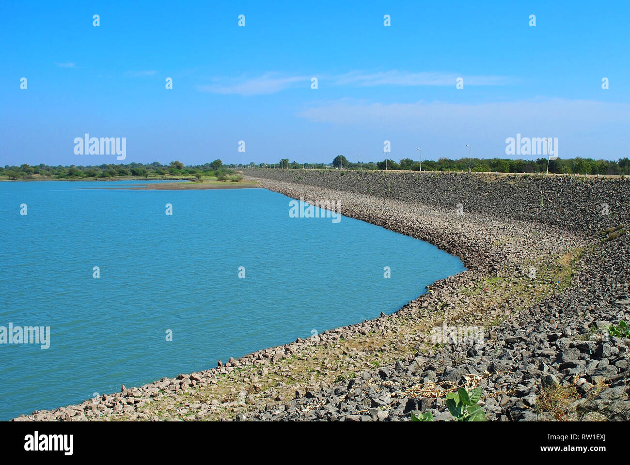 This lake is amazing landscape in my city amreli its looking