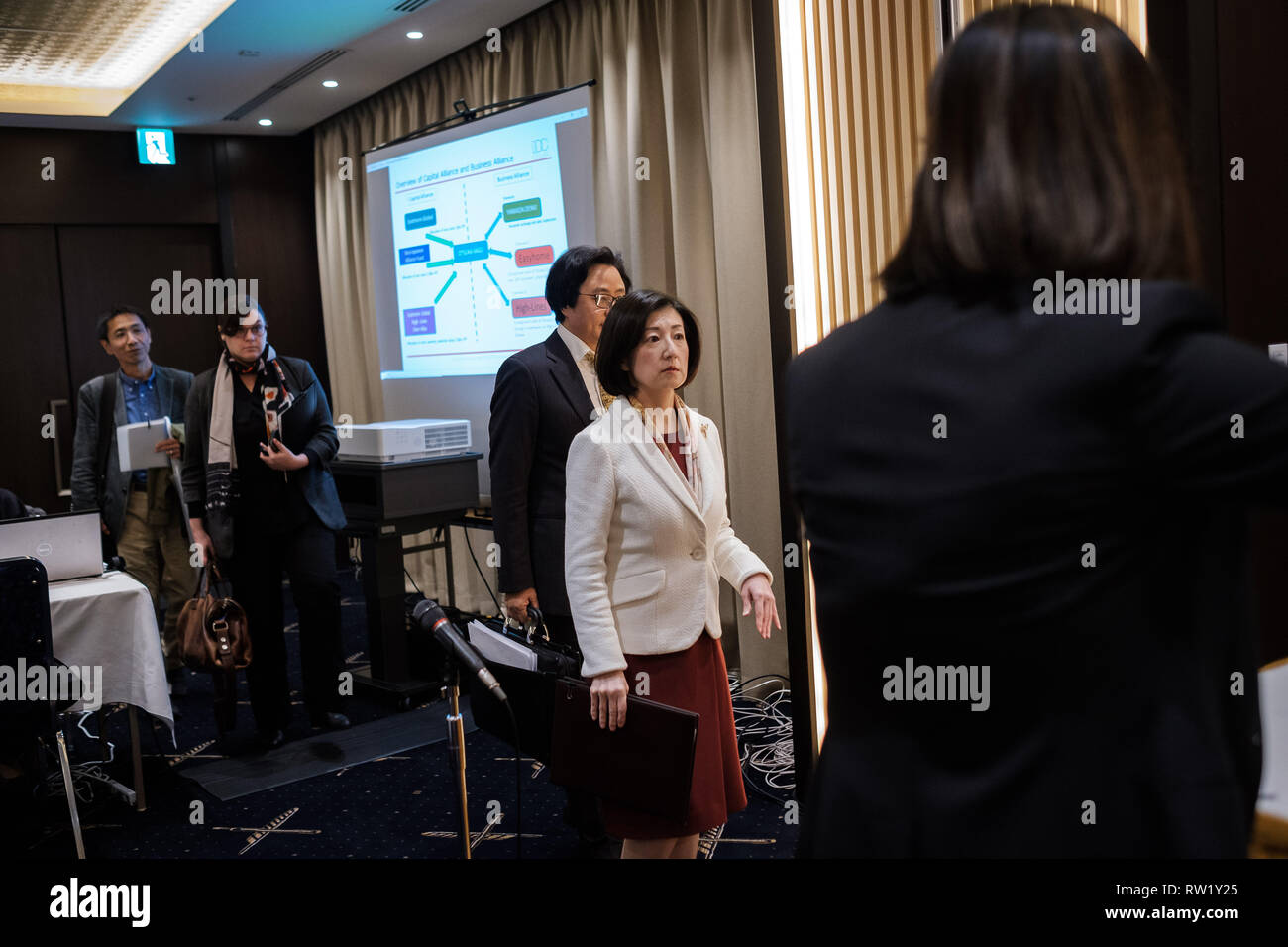Otsuka Kagu president Kumiko Otsuka (C) arrives for a press conference at Foreign Press Club on March 04, 2019 in Tokyo Japan. Seeking for expension in Chinese market Kumiko Otsuka talks about an alliance with China's company called High-Lines. March 04, 2019 Credit: Nicolas Datiche/AFLO/Alamy Live News Stock Photo
