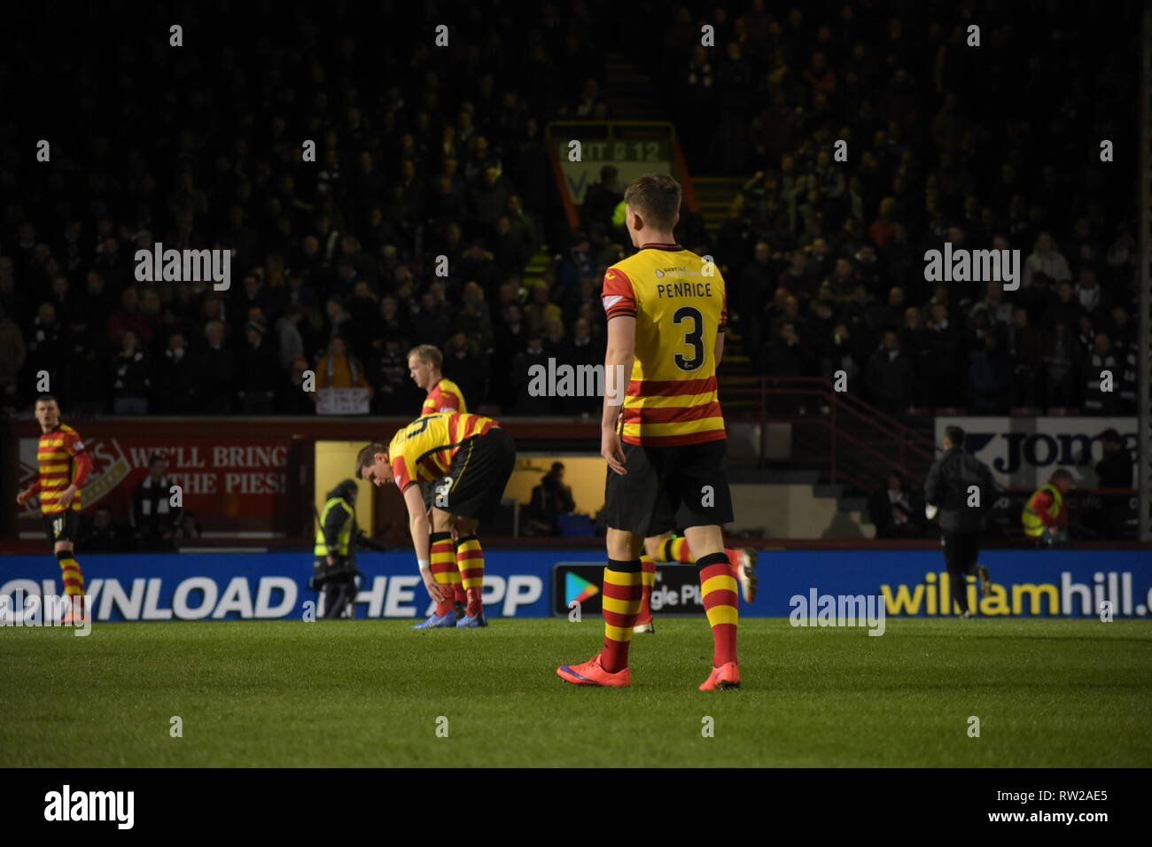 firhill, Maryhill, Glasgow, Scotland 4th march 2019 no 3 moves up pich for Partick Thistle corner credit: Thomas Porter/Alamy News - Stock Image