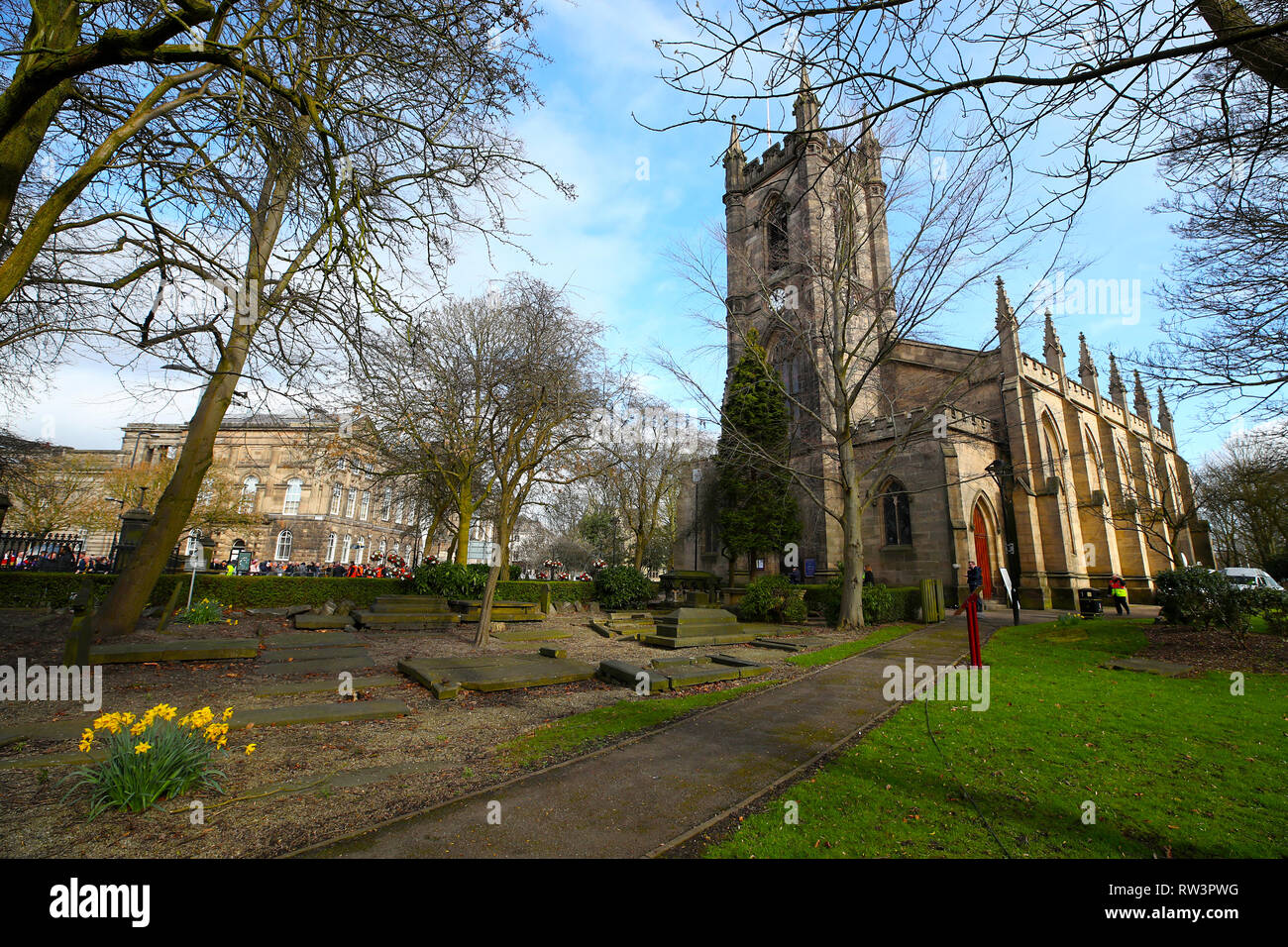 General view of the churchyard ahead of the funeral service for Gordon Banks at Stoke Minster. - Stock Image