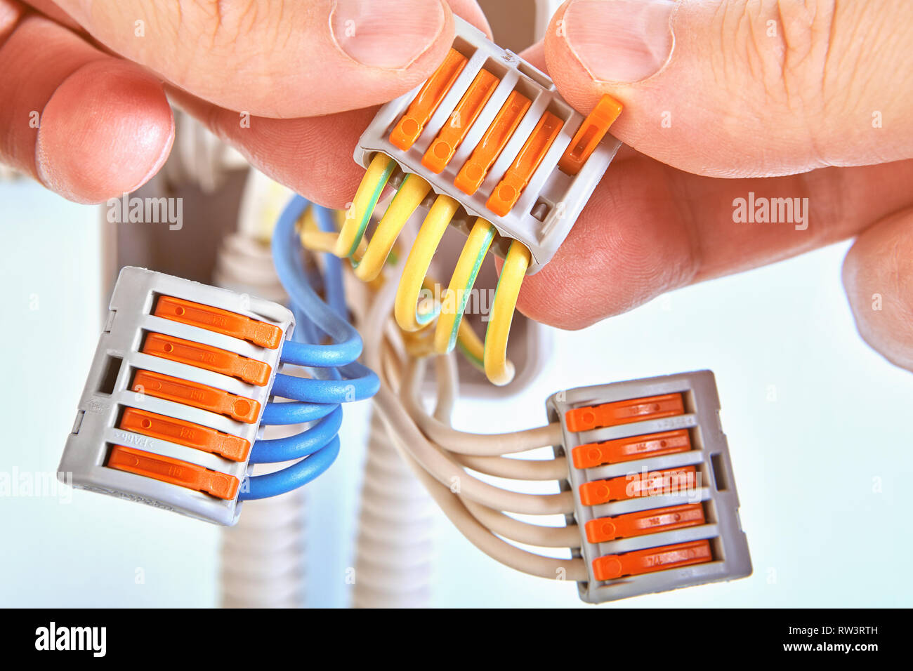 Stupendous Electrical Wires Of Plastic Junction Box Are Connected Together With Wiring 101 Archstreekradiomeanderfmnl