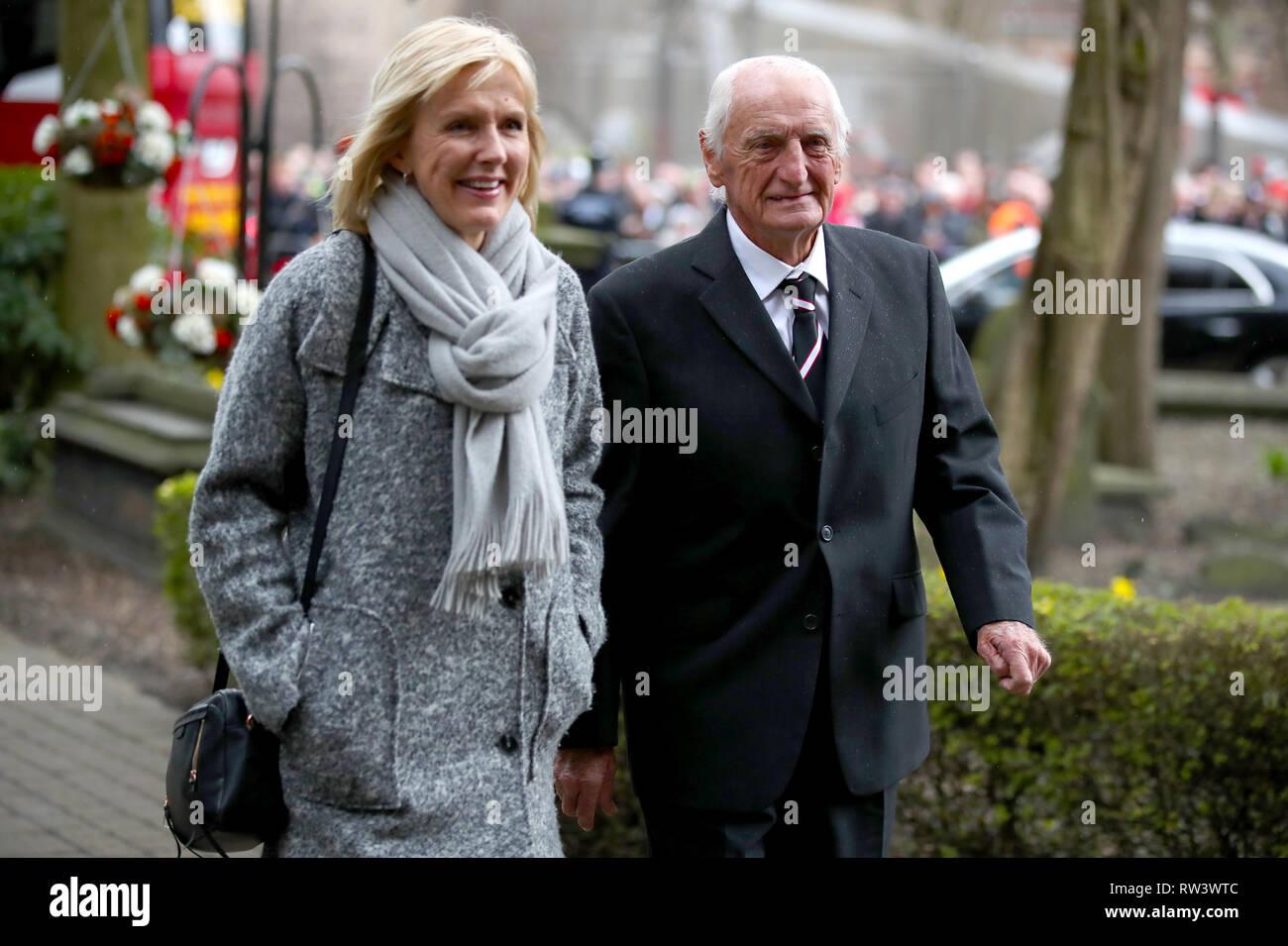 Retired footballer George Eastham arrives for the funeral service for Gordon Banks at Stoke Minster. - Stock Image