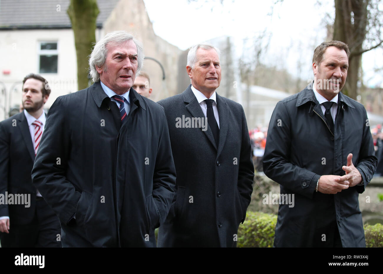 Retired goalkeepers (left to right) Pat Jennings, Ray Clemence and David Seaman at the funeral service for Gordon Banks at Stoke Minster. - Stock Image