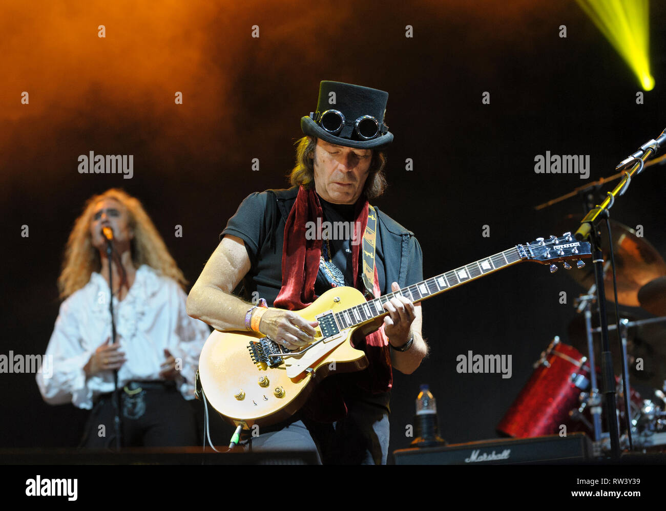 Steve Hackett and Nad Sylvan performing at the Fairport's Cropredy Convention, August 7, 2014 - Stock Image