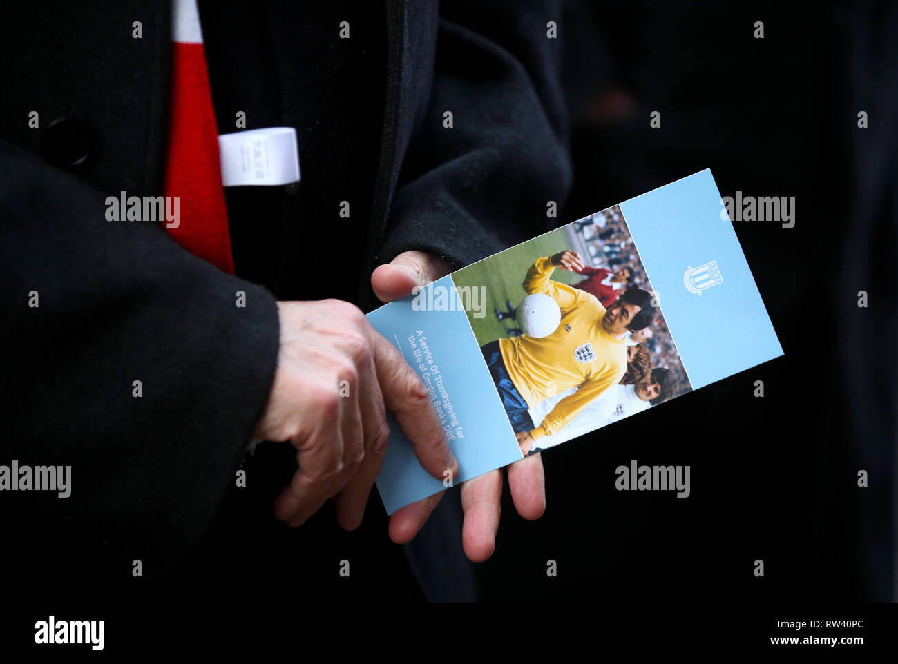 An order of service for the funeral service for Gordon Banks at Stoke Minster. - Stock Image