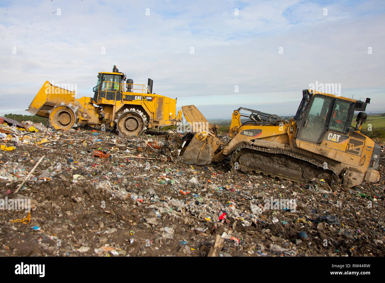 waste, rubbish, recycle, garbage, plant, collection, green, bin, wood, metal, plastic, cardboard,  landfill,dump, waste, management, materials, paper, - Stock Image