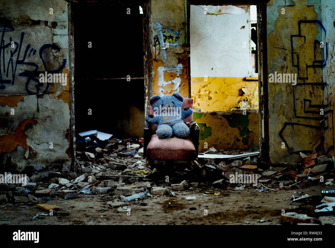 Alone teddy bear in closed chemical fiber factory 'Chemitex' - Stock Image