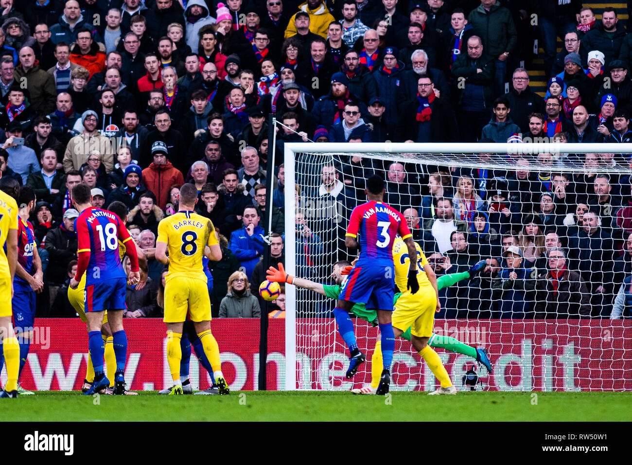 LONDON, ENGLAND - DECEMBER 30: looks on during the Premier League match between Crystal Palace and Chelsea FC at Selhurst Park on December 30, 2018 in London, United Kingdom. (Photo by MB Media/Getty Images) - Stock Image