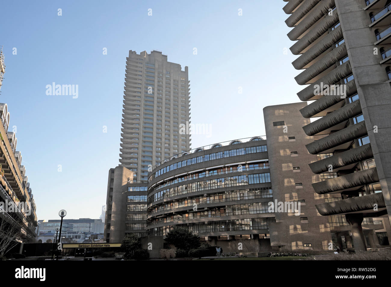 A view of housing blocks on the Barbican Estate in the City of London England UK  KATHY DEWITT Stock Photo