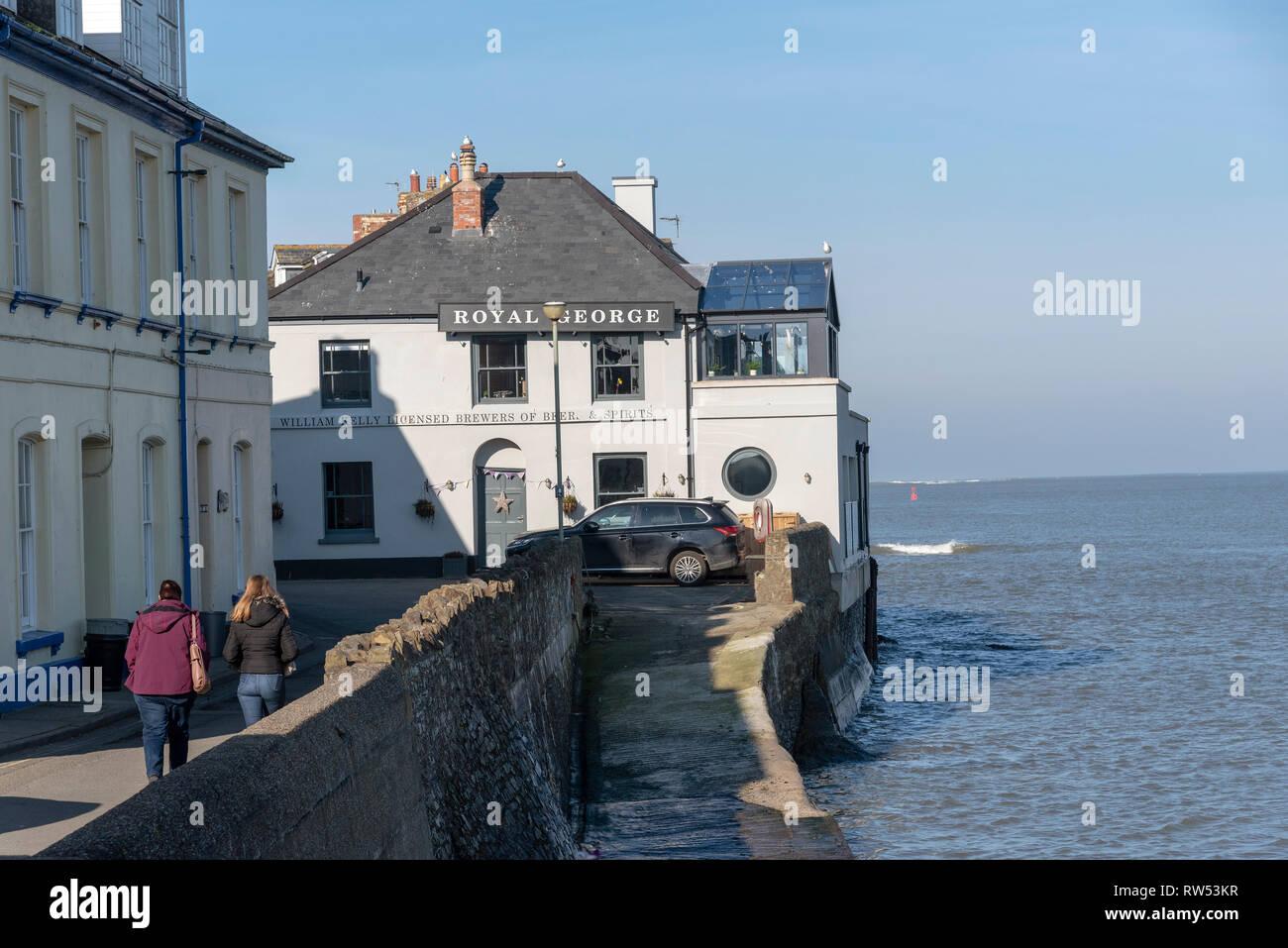 Appledore, North Devon, England, UK. February 2019. The Royal George a waterfront coastal pub. - Stock Image