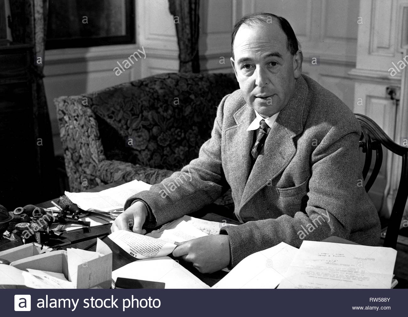 C.S. LEWIS, THE QUESTION OF GOD: SIGMUND FREUD and C.S. LEWIS, 2004 - Stock Image