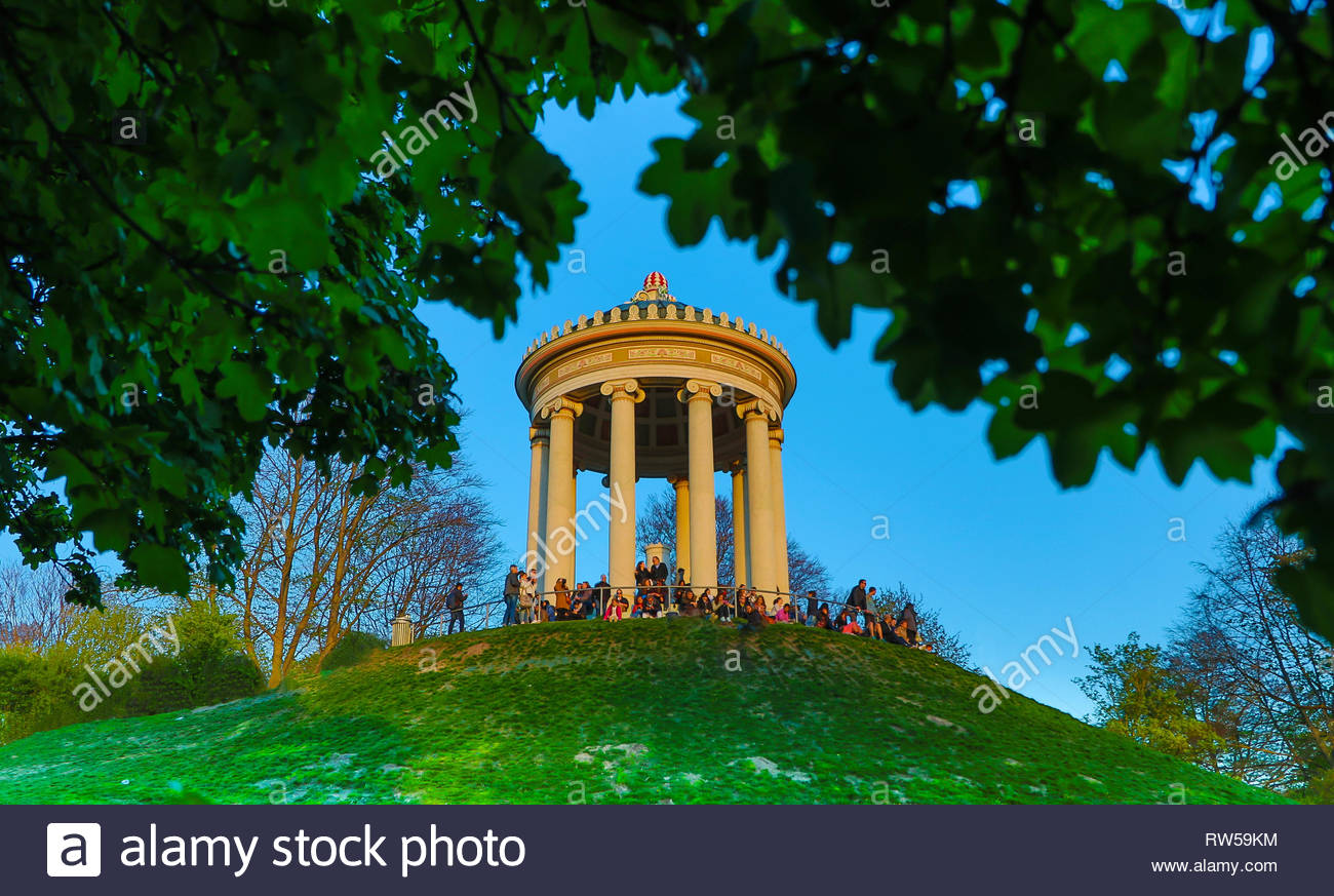 relaxing at monopteros in Munich, englischer garten - Stock Image