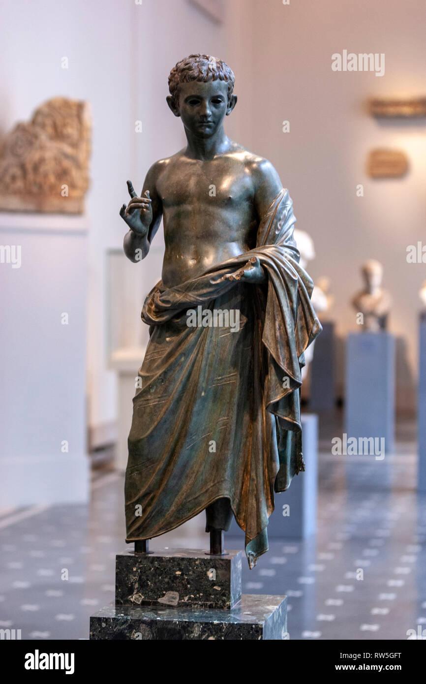 Bronze statue of an aristocratic boy, The Metropolitan Museum of Art, Manhattan, New York USA - Stock Image
