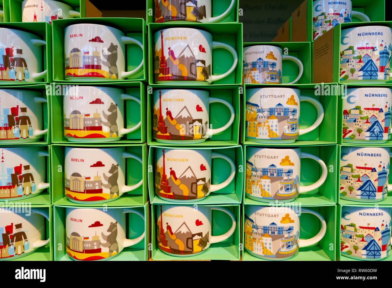 Dusseldorf Germany Circa October 2018 Mugs On Display At Starbucks Coffee Shop In Dusseldorf Stock Photo Alamy