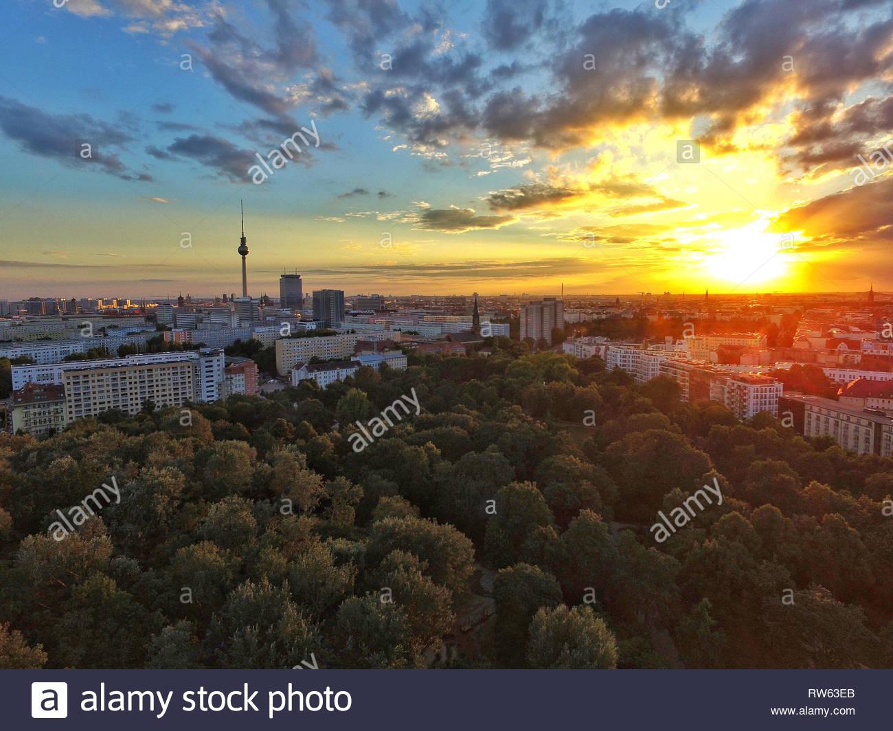 Berliner Volkspark at sunset - Stock Image