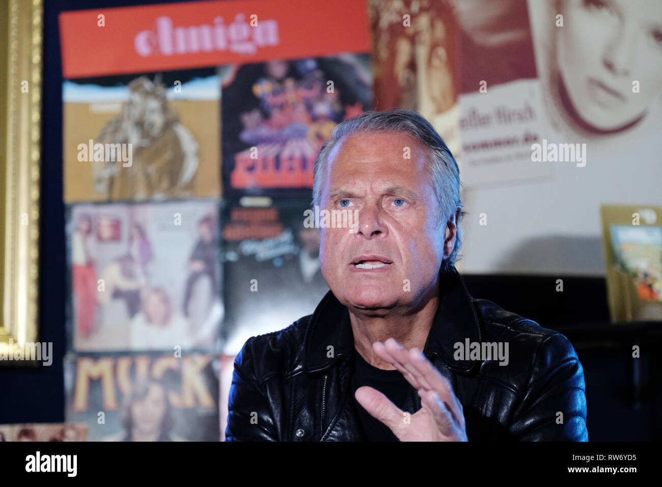 Dresden, Germany. 15th Feb, 2019. Jörg Stempel, former head of the GDR record company Amiga, speaks at the press event in the boulevard theatre. The premiere of the play 'The Legend of Hot Summer' will take place there on 10.03.2019. The theatre show is about the 'Sound of the East'. (to dpa ''hot summer': Dresden stage show celebrates the sound of the east') Credit: Sebastian Willnow/dpa-Zentralbild/dpa/Alamy Live News - Stock Image