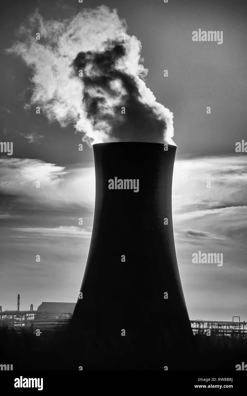 Industrial landscape and pollution, Teesside, UK - Stock Image