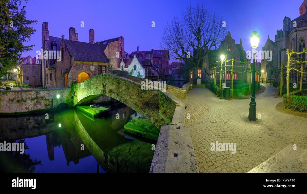 Night time shot of Bonifacius bridge in Bruges, Belgium. - Stock Image