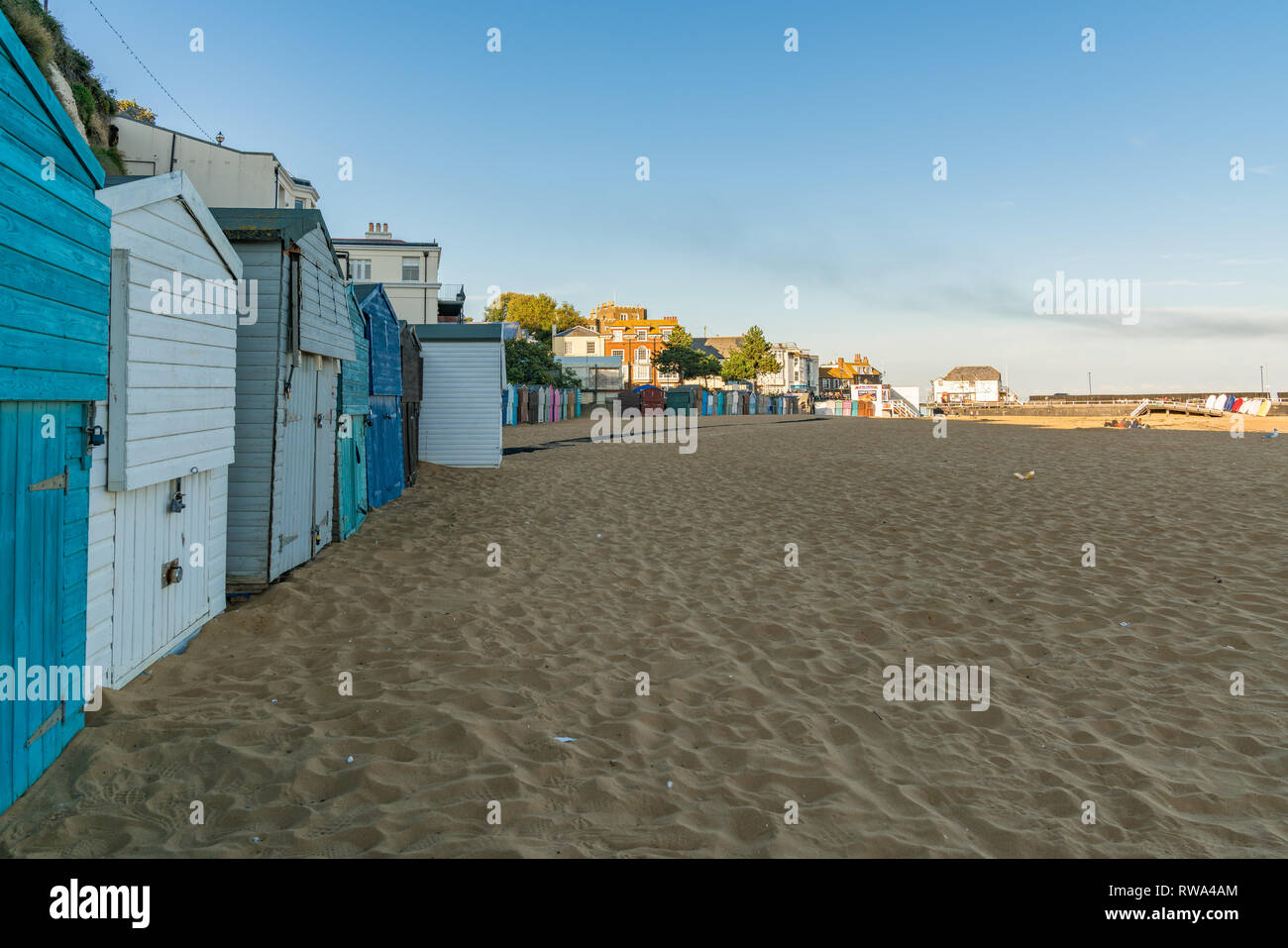 Viking Bay, Broadstairs, Kent, England, UK - September 19, 2017: Beach huts and people on the beach - Stock Image