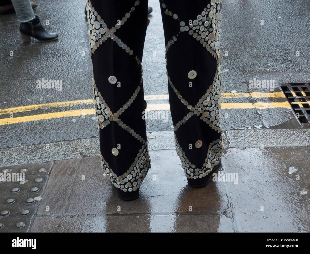 Pearly King standing on Brick Lane - Stock Image