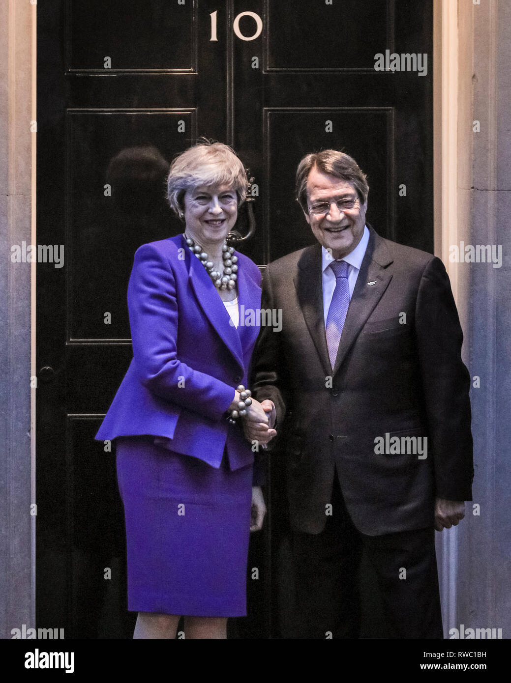 Downing Street, Westminster, London, UK. 5th Mar, 2019. British Prime Minister Theresa May welcomes Cypriot President Nicos Anastasiades in Downing Street for talks. Credit: Imageplotter/Alamy Live News - Stock Image