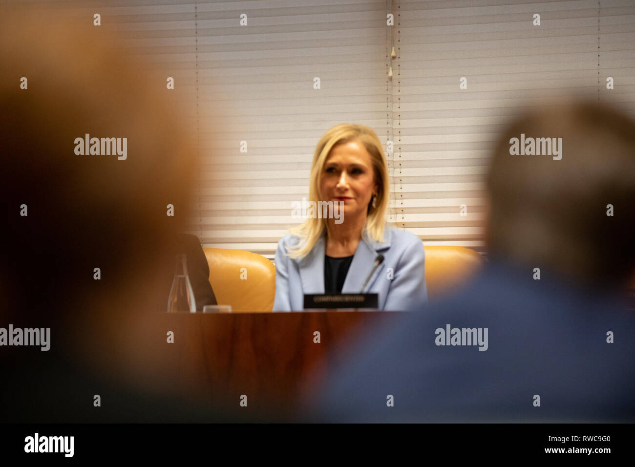 Madrid, Spain. 6th Mar, 2019. The former president of the Community of Madrid Cristina Cifuentes (R) with her lawyer (not seen) are seen attending the research commission of universities of the Assembly of Madrid to appear in relation to the case Master, which is investigated for alleged crime of falsification of documents. Credit: Jesus Hellin/SOPA Images/ZUMA Wire/Alamy Live News - Stock Image