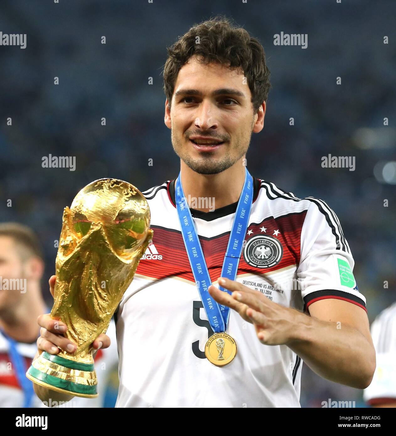 Germany 2014 World Cup Soccer Champions Replica Winner/'s /'Gold/' Medal !!!