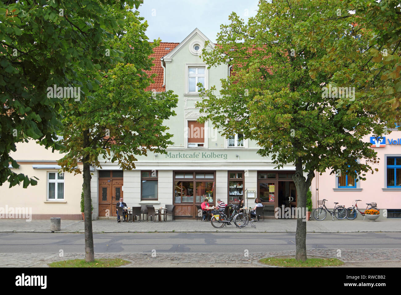 Café at the market place in Templin in the Uckermark region in North Germany - Stock Image