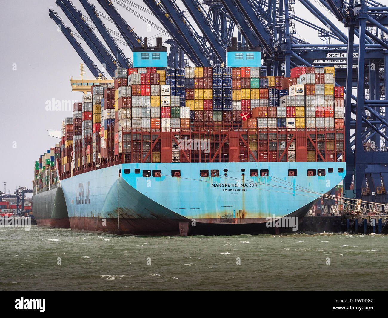 International Trade Delay - strong winds prevent the loading and unloading of containers at the Port of Felixstowe - Stock Image