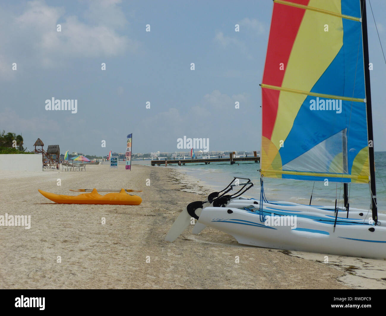 Beach and resort scenes on the Mexican Riviera near Cancun. - Stock Image