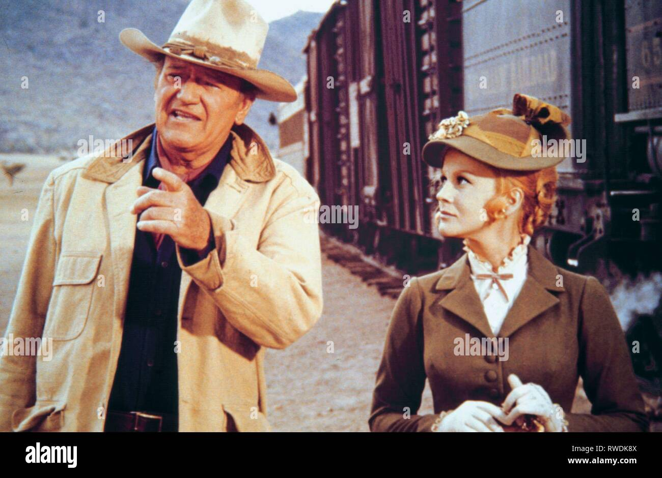 WAYNE,ANN-MARGRET, THE TRAIN ROBBERS, 1973 - Stock Image