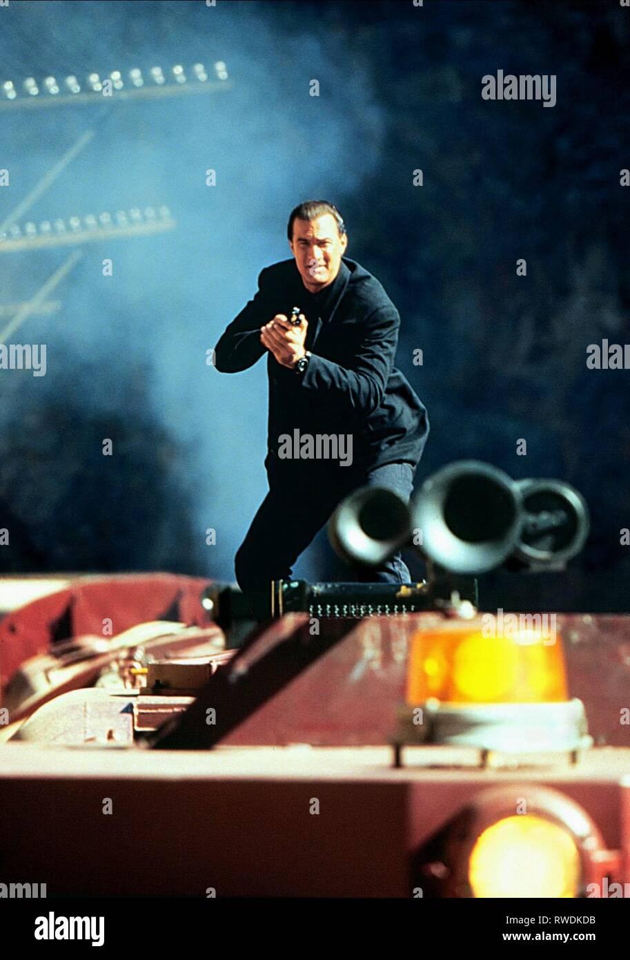 STEVEN SEAGAL, UNDER SIEGE 2: DARK TERRITORY, 1995 Stock Photo