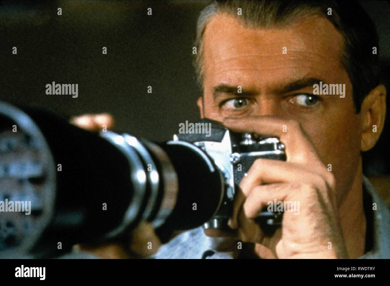 JAMES STEWART, REAR WINDOW, 1954 - Stock Image