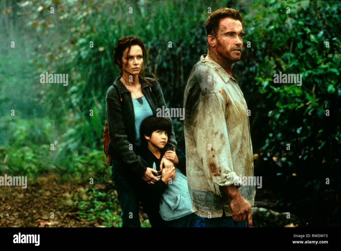 NERI,POSEY,SCHWARZENEGGER, COLLATERAL DAMAGE, 2002 - Stock Image