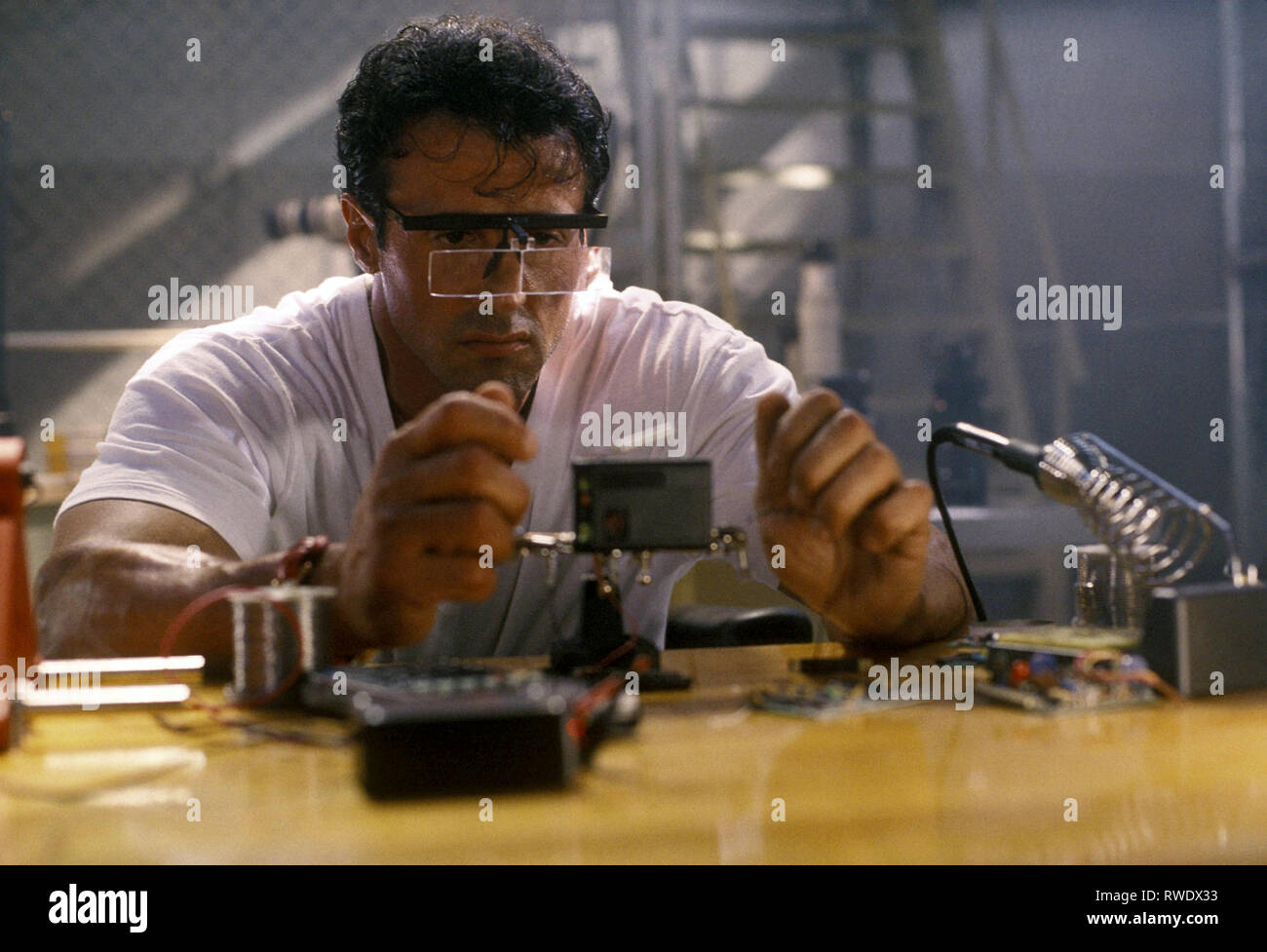 SYLVESTER STALLONE, THE SPECIALIST, 1994 - Stock Image