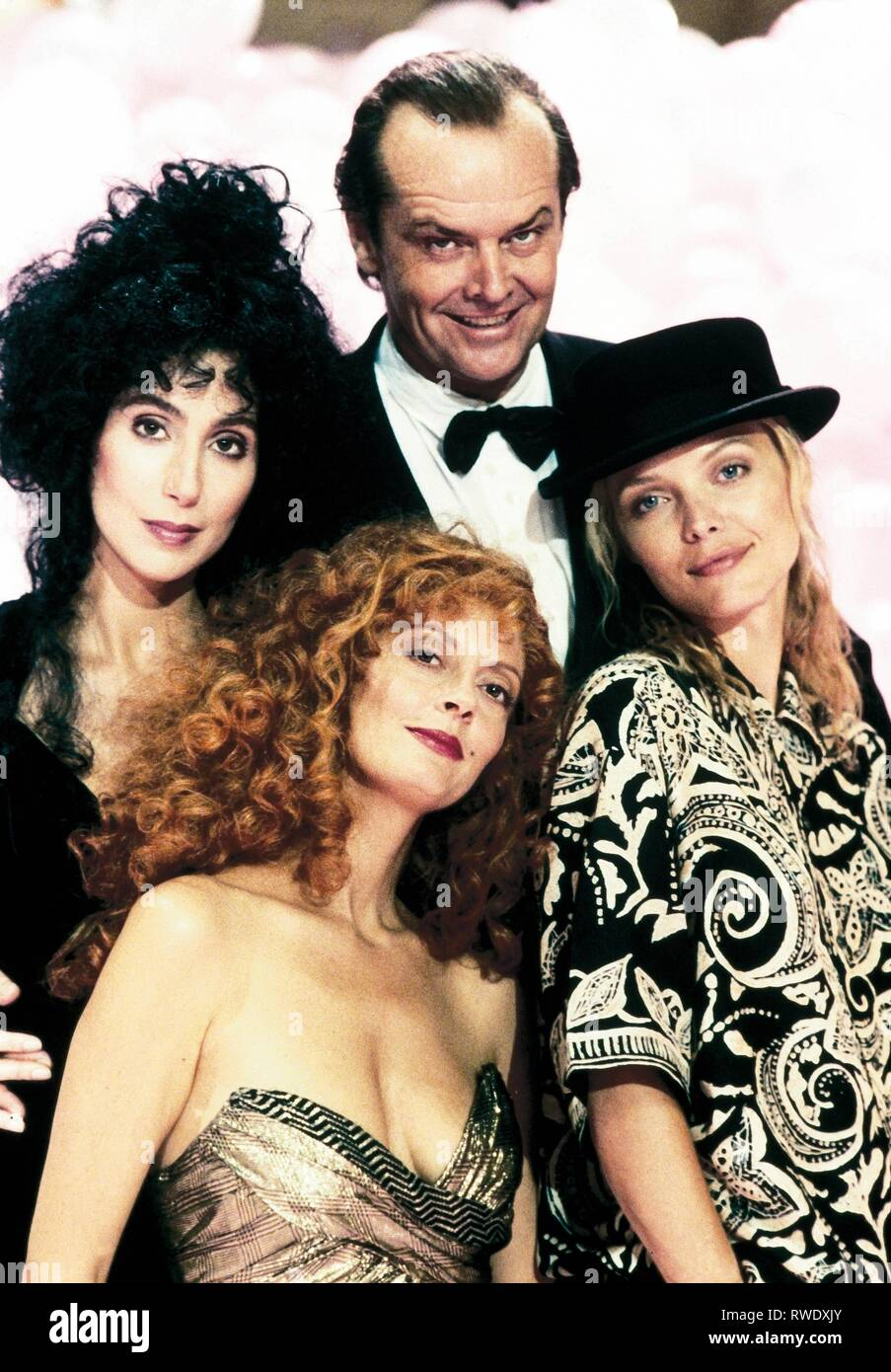 CHER,SARANDON,NICHOLSON,PFEIFFER, THE WITCHES OF EASTWICK, 1987 - Stock Image